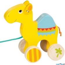 Tahací hračka - Velbloud dřevěný (Goki)