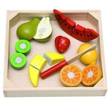 Krájení - Ovoce s melounem na prkénku (Woody)