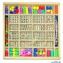 Navlékací perle - Písmenka v dřevěné krabici, ABC a tvary (Woody)